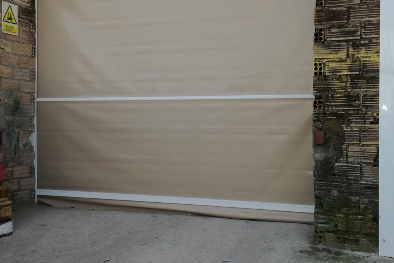 PUERTAS-EN-PVC-PARA-CERRAR-ALMACÉN