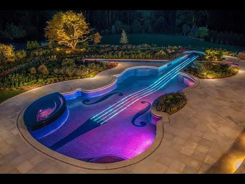 Piscina en forma de violín