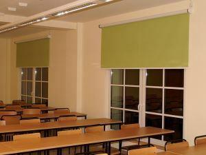 Toldos y cortinas enrollables para centros escolares y guarderias.